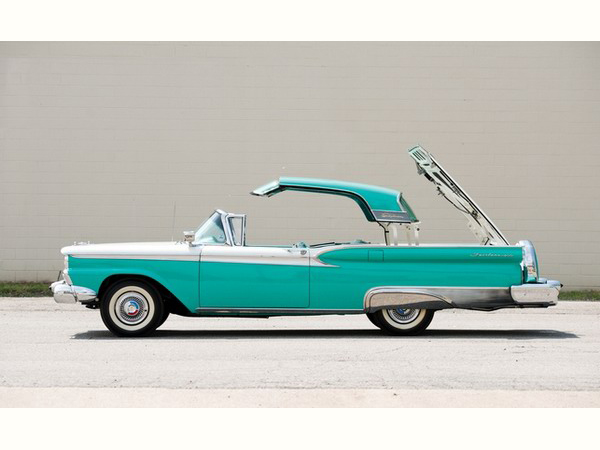 Ford Galaxie Skyliner 1959 года